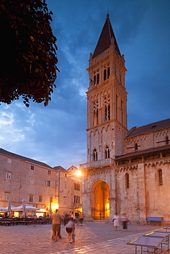 Main square and cathedral lit up at dusk, Trogir, UNESCO World Heritage Site, Dalmatian Coast, Croatia, Europe