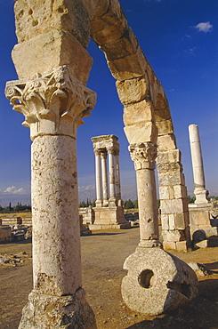 The tetrastyle in city centre seen through street arcades, Umayyad Anjar, Lebanon, Middle East
