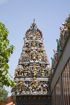Ornate gopuram with colourful Hindu deities on Sri Veeramakaliamman Temple dedicated to goddess Kali built in Tamil style, Little India, Singapore, Southeast Asia, Asia