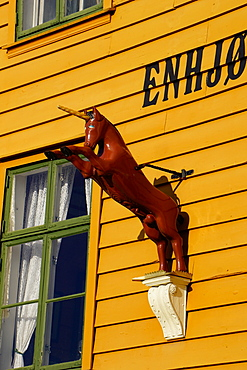 Traditional wooden Hanseatic merchants buildings of the Bryggen, UNESCO World Heritage Site, Bergen, Norway, Scandinavia, Europe