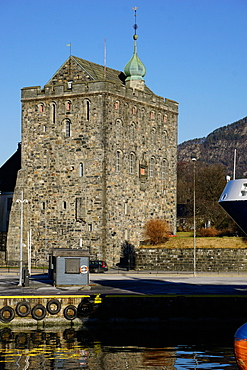 Rosenkrantztarnet Tower, Bryggen, UNESCO World Heritage Site, Bergen, Hordaland, Norway, Scandinavia, Europe