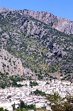 Spain, Andaloucia, Pueblos Blancos (White Villages) Road, Grazalema