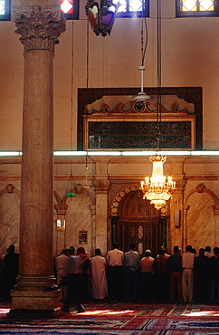 Syria, Damascus, The Omayyad Mosque Built By Khalif Walid The First And 12 000 Workers, The Site Was Occupied By A Temple Then A Church, Men At Prayer Along The Qibla Wall