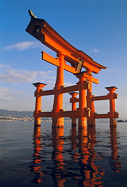 Itsukushima (Itsuku-shima Jinja) Shinto Shrine Gate (torii), UNESCO World Heritage Site, Miyajima (Miya Jima), Japan, Asia