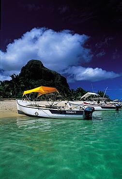 Mauritius, Paradis Beach & Morne Brabant Hill