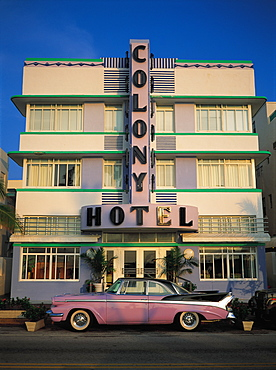 Colony Hotel And Vintage Car, Miami Beach, Florida, Usa