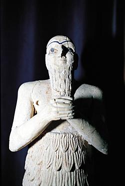 Syria, Damascus, Antiques Museum, Mesopotamian Statue