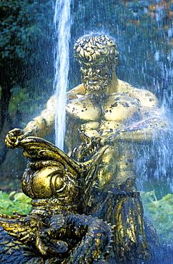 Russia, Saint Petersburg, Peterhof (Petrovorets) Castle And Park Waterworks And Statue Of Hercules