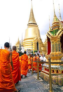 Monks, Royal Palace, Bangkok, Thailand, Southeast Asia, Asia