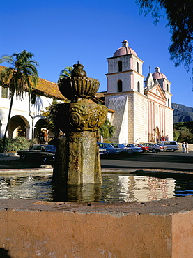 Exterior of the Spanish Mission, Santa Barbara, California, United States of America, North America