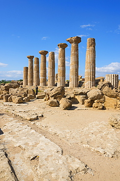 Remains of Temple of Heracles, Valley of the Temples, Agrigento, UNESCO World Heritage Site, Sicily, Italy, Europe