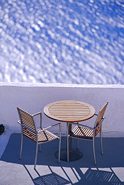 Cafe table and chairs, Thira (Fira), Santorini, Cyclades Islands, Greece, Europe - 728-1863