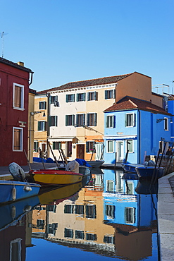 Multi coloured canal side houses, Burano, Venice, UNESCO World Heritage Site, Veneto, Italy, Europe