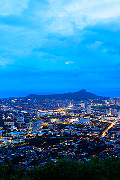 Honolulu, night view of Waikiki and Diamond Head, Oahu Island, Hawaii, United States of America, North America