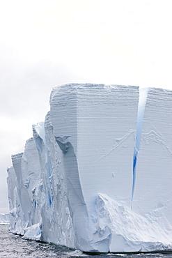 Tabular iceberg, Southern Ocean, Antarctic, Polar Regions