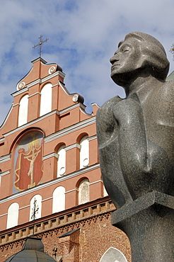 Statue of Adam Mickiewicz with Bernardine church and monastery in the background, Vilnius, UNESCO World Heritage Site, Lithuania, Baltic States, Europe