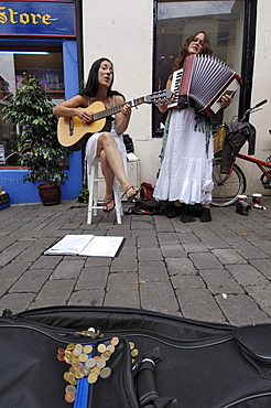 Buskers, Galway, County Galway, Connacht, Republic of Ireland, Europe