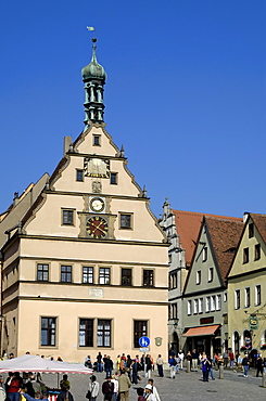 Ratstrinkstube (City Councillors Tavern) and town houses, Marktplatz, Rothenburg ob der Tauber, Bavaria (Bayern), Germany, Europe