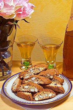 Biscotti di Prato (biscuits of Prato) (cantuccini), traditional almond biscuits, Prato, Tuscany, Italy, Europe