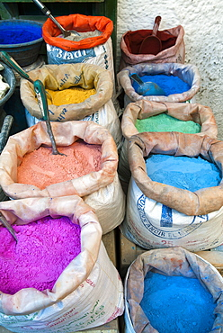 Pigments and spices for sale, Medina, Tetouan, UNESCO World Heritage Site, Morocco, North Africa, Africa