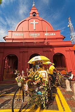 Rickshaw and Christ Church, Town Square, Melaka (Malacca), UNESCO World Heritage Site, Melaka State, Malaysia, Southeast Asia, Asia