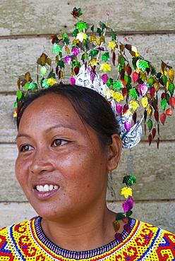 Iban woman, Mengkak Iban Longhouse, Batang Ai National Park, Sarawak, Borneo, Malaysia, Southeast Asia, Asia