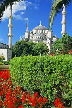 The Blue Mosque (Sultan Ahmet Mosque) (Sultanahmet Camii), UNESCO World Heritage Site, Istanbul, Turkey, Europe, Eurasia