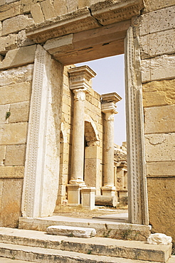 Gate at colonnade street, Leptis Magna, UNESCO World Heritage Site, Libya, North Africa, Africa