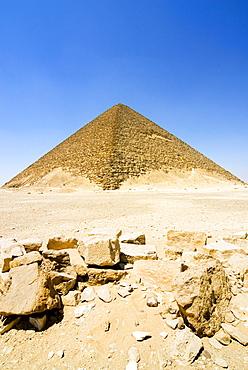 The Red Pyramid (Senefru Pyramid), Dahshur, UNESCO World Heritage Site, near Cairo, Egypt, North Africa, Africa