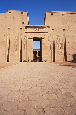 Entrance, Horus Temple, Edfu, Egypt, North Africa, Africa