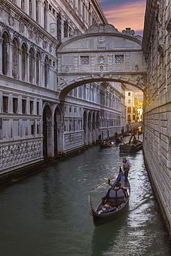Bridge of Sighs, Venice, UNESCO World Heritage Site, Veneto, Italy, Europe
