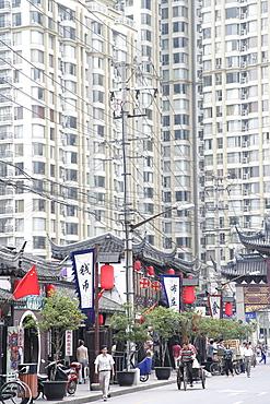Street scene, Shanghai, China, Asia