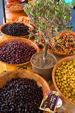 Fresh olives for sale at a street market in the historic Provence town of Eygalieres, Provence, France, Europe