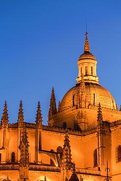 The imposing Gothic Cathedral of Segovia at night, Segovia, Castilla y Leon, Spain, Europe