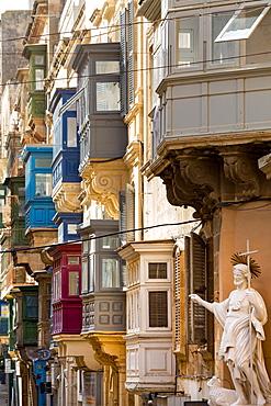 Statue on Tirq San Pawl (St. Paul Street) in old Valletta, UNESCO World Heritage Site and European Capital of Culture 2018, Malta, Mediterranean, Europe