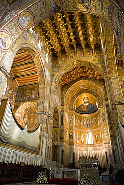 Altar, interior of the cathedral, Monreale, Palermo, Sicily, Italy, Europe