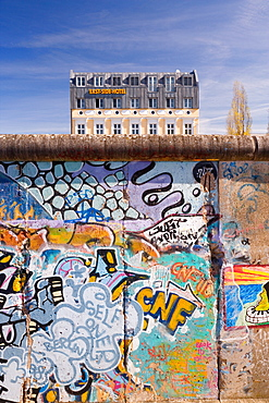 Former section of Berlin Wall, view from former West Berlin showing the East Side Hotel, Berlin, Germany, Europe
