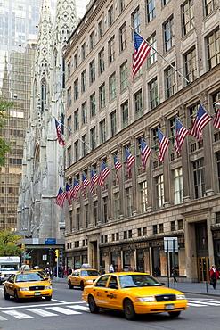 Fifth Avenue street scene, Manhattan, New York City, New York, United States of America, North America