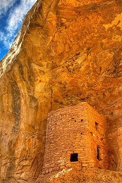 Tower Ruins, Ancestral Pueblo, up to 1000 years old, Coomb Ridge area, Utah, United States of America, North America