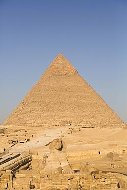 Pyramid of Chephren (Khafre), Great Pyramids of Giza, UNESCO World Heritage Site, Giza, Egypt, North Africa, Africa