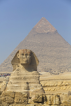 The Great Sphinx of Giza, Khafre Pyramid in the background, Great Pyramids of Giza, UNESCO World Heritage Site, Giza, Egypt, North Africa, Africa