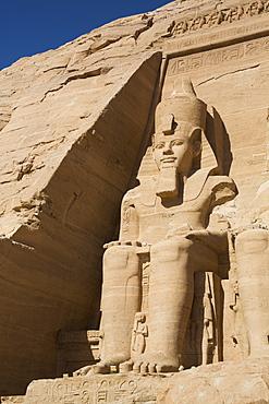 Ramses II statue, Ramses II Temple, UNESCO World Heritage Site, Abu Simbel, Nubia, Egypt, North Africa, Africa