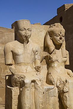 Only known statue of King Tutankhamun and wife, Luxor Temple, UNESCO World Heritage Site, Luxor, Thebes, Egypt, North Africa, Africa