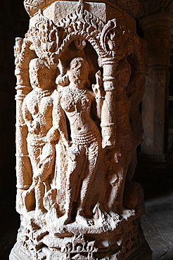 One of the 52 ornately carved pillars in the Sabhamandapa, assembly hall in the Sun temple at Modhera, Mehsana, Gujarat, India, Asia