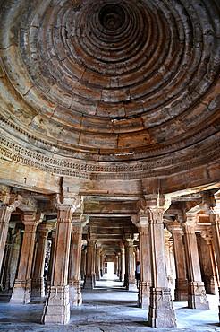 Central domed ceiling in prayer hall, Sahar ki Masjid Mosque, UNESCO World Heritage Site, Champaner, Gujarat, India, Asia