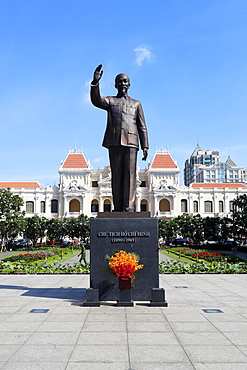 District 1, Ho Chi Minh statue and City Hall, Ho Chi Minh City, Vietnam, Indochina, Southeast Asia, Asia