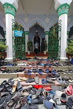Shoes outside the mosque, Friday Prayers (Jummah), Cholon Jamail Mosque, Ho Chi Minh City, Vietnam, Indochina, Southeast Asia, Asia