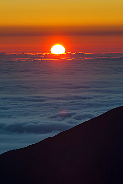 Sunrise above Haleakala National Park, Maui, Hawaii, United States of America, Pacific