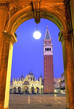 Arch with view of Campanile San Marco, Basilica San Marco and Piazza San Marco, Venice, UNESCO World Heritage Site, Veneto, Italy, Europe