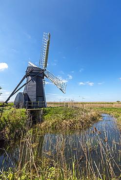 Herringfleet Mill (Walker's Mill), Drainage mill of the smock mill style, Herringfleet, Suffolk, England, United Kingdom, Europe